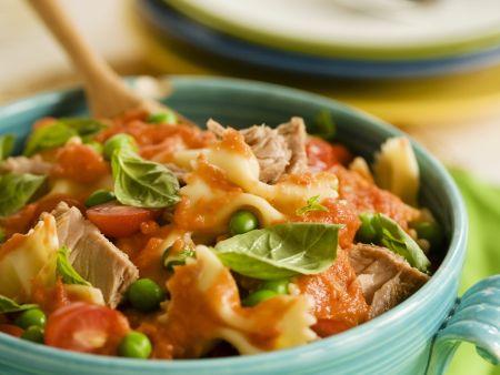 Pasta mit Thunfisch und Tomatensauce