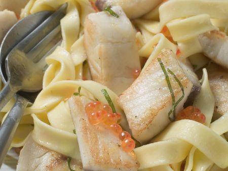 Pasta mit Tilapiafilet und Zitronensoße