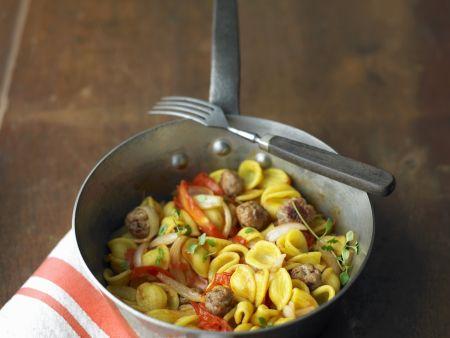 Pasta mit Tomaten-Salsiccia-Soße