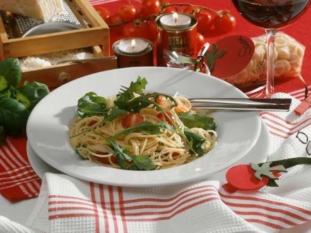 Pasta mit Tomaten und Rucola