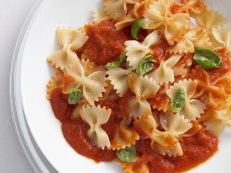 Pasta mit Tomatensoße