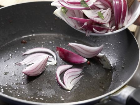 Pasta mit roter Zwiebelsauce: Zubereitungsschritt 4