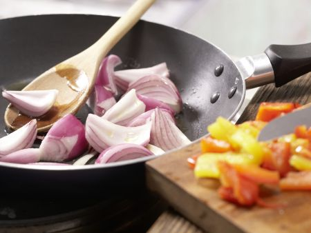 Pasta mit Walnuss-Tomaten-Pesto: Zubereitungsschritt 7