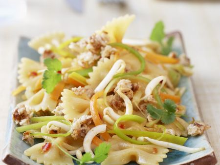 Pastasalat auf asiatische Art