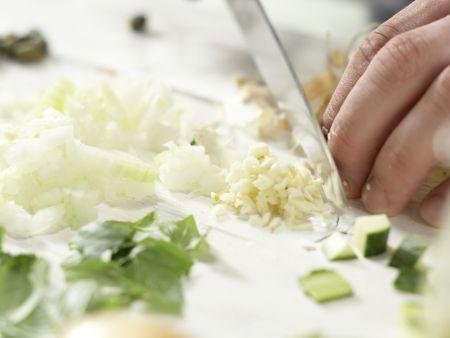 Penne mit Zucchini und Kapern: Zubereitungsschritt 2