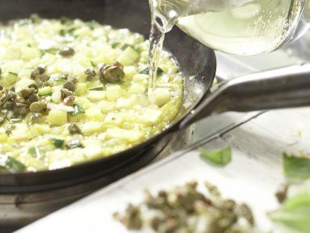 Penne mit Zucchini und Kapern: Zubereitungsschritt 7
