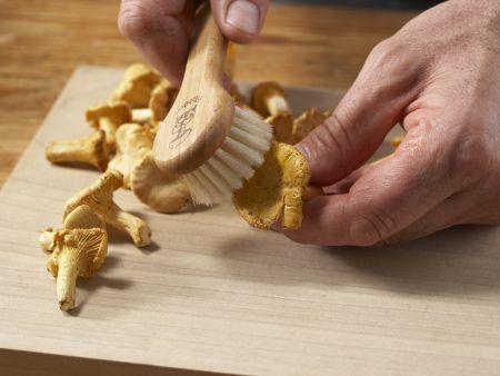 Perlhuhnbrust mit Goji-Beeren: Zubereitungsschritt 8
