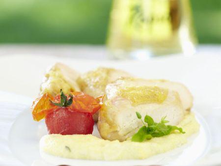 Perlhuhnbrust mit cremiger Zwiebelpolenta und Apfelessigjus