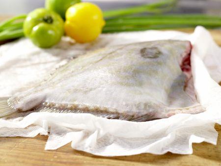 Petersfisch auf Tomatenbett: Zubereitungsschritt 1