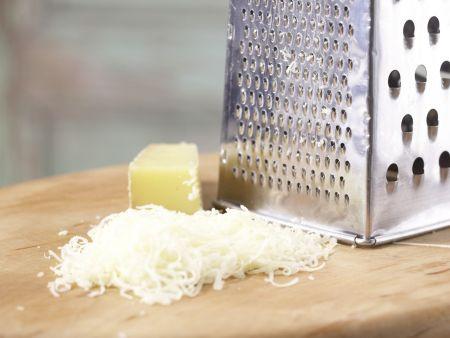 Petersilien-Käse-Spätzle: Zubereitungsschritt 7