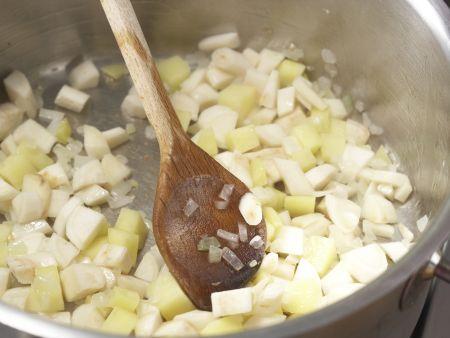 Petersilien-Pastinaken-Suppe: Zubereitungsschritt 3