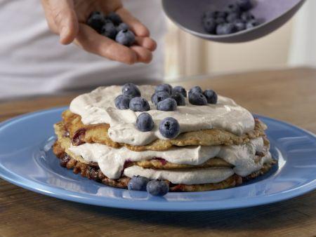 Pfannkuchentorte mit Blaubeerquark: Zubereitungsschritt 6