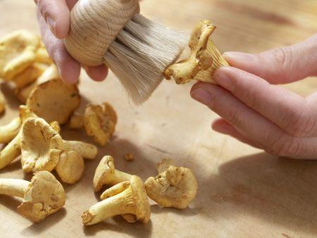 Pfifferlingssalat mit Artischocken: Zubereitungsschritt 5