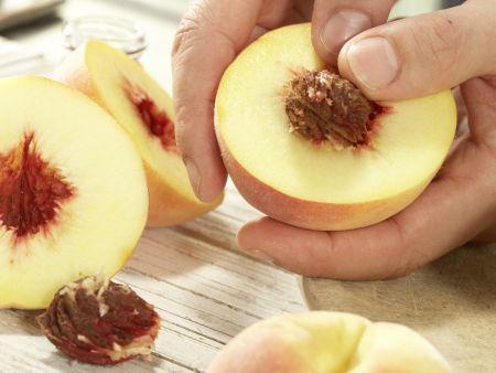 Pfirsiche in Pergament: Zubereitungsschritt 1