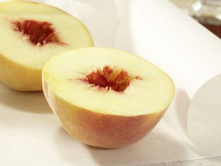 Pfirsiche in Pergament: Zubereitungsschritt 2