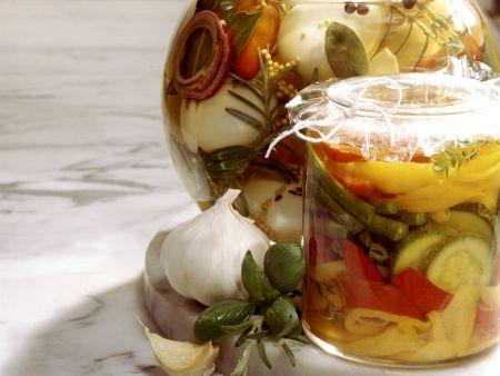 Pikant mariniertes Gemüse