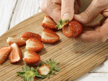 Pikante marinierte Erdbeeren: Zubereitungsschritt 3