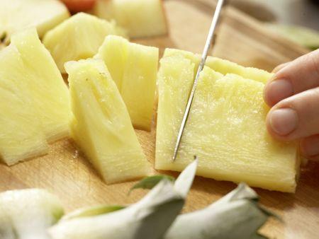 Pikanter Apfel-Ananas-Saft: Zubereitungsschritt 2