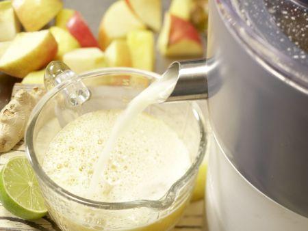 Pikanter Apfel-Ananas-Saft: Zubereitungsschritt 4