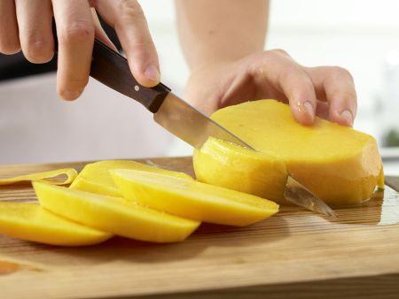 Pikanter Mangosalat: Zubereitungsschritt 1
