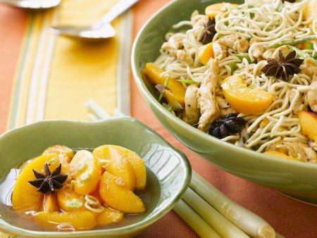 Pikanter Nudelsalat mit Huhn, Pfirsich, Zitronengras und Sternanis