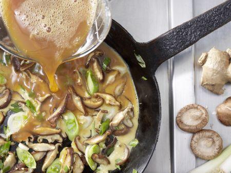 Pilz-Omelett-Röllchen: Zubereitungsschritt 5