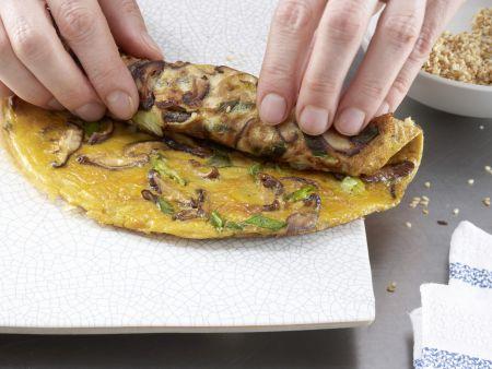 Pilz-Omelett-Röllchen: Zubereitungsschritt 6