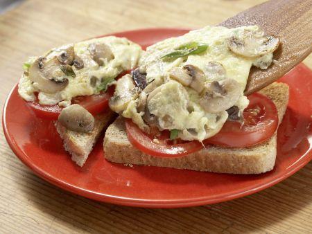 Pilz-Omelett mit Tomaten: Zubereitungsschritt 6