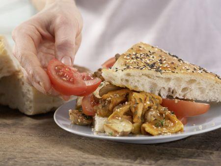Pilz-Rührei auf Fladenbrot: Zubereitungsschritt 9