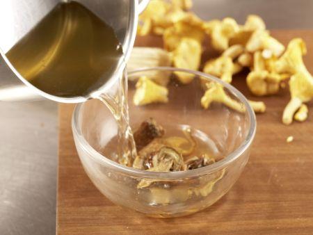 Pilzgemüse auf Kichererbsenpüree: Zubereitungsschritt 2
