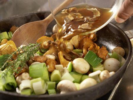 Pilzgemüse auf Kichererbsenpüree: Zubereitungsschritt 8