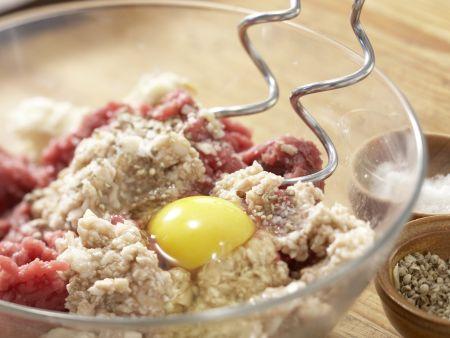 Pilzhackbraten in Rahmsauce: Zubereitungsschritt 5