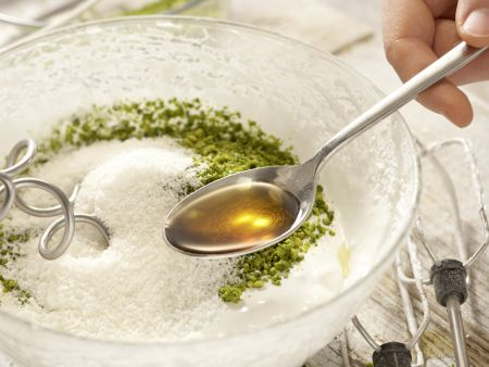 Pistazien-Kokos-Makronen: Zubereitungsschritt 3