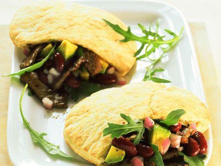 pitabrot mit fleisch bohnensalatf llung rezept eat smarter. Black Bedroom Furniture Sets. Home Design Ideas
