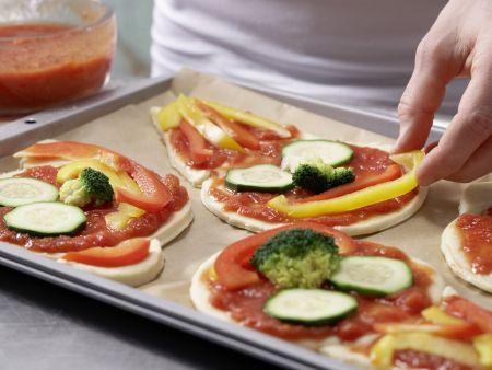 Pizza-Gesichter: Zubereitungsschritt 8
