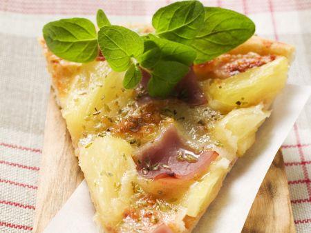 Pizza mit Ananas und Schinken