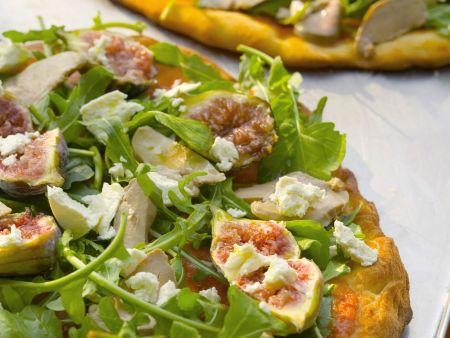 Pizza mit Stopfleber , Feigen und Rucola
