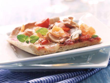 Pizza mit Thunfisch und Garnelen
