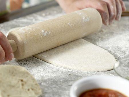 Pizza mit Pilzen: Zubereitungsschritt 7