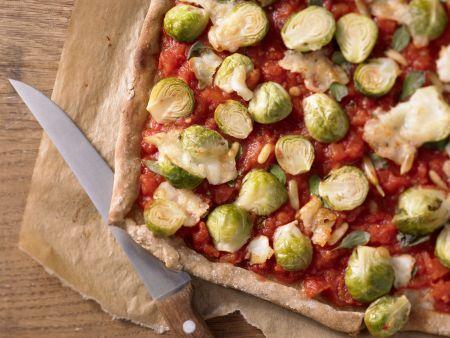 Pizza mit Rosenkohl