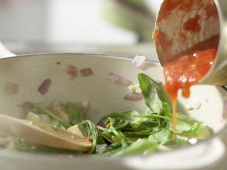 Pizza mit scharfem Auberginen-Ragout: Zubereitungsschritt 7