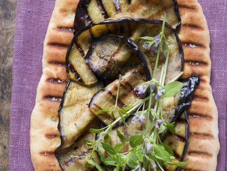 Rezept: Pizzafladen mit gegrillten Auberginenscheiben