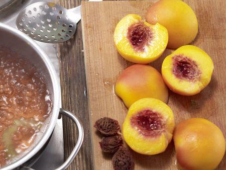 Pochierte Pfirsiche: Zubereitungsschritt 6