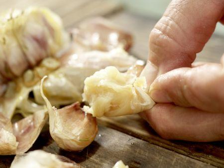 Polenta mit gebackenem Knoblauch: Zubereitungsschritt 4