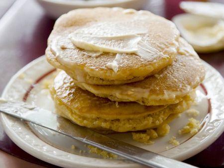 Polentapuffer mit Butter