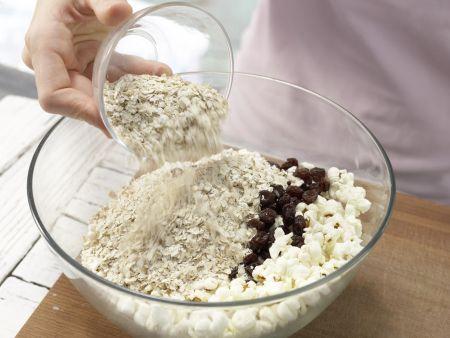 Popcorn-Müsli mit Rosinen: Zubereitungsschritt 3