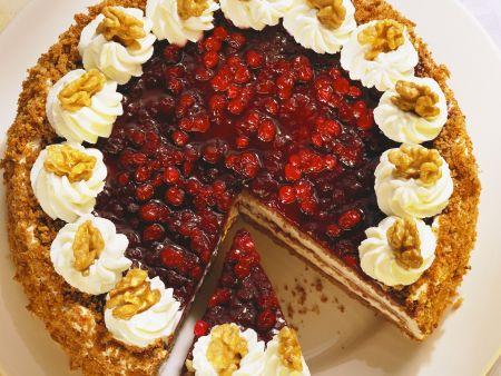 Preiselbeer-Nuss-Torte