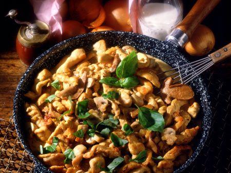 Putenpfanne mit Champignons und Basilikum