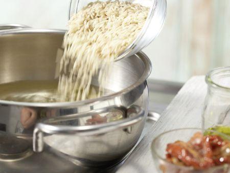 Putenrouladen auf Blattspinat: Zubereitungsschritt 7