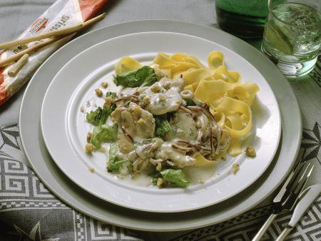 Putensteak mit Gorgonzolasauce und Nudeln